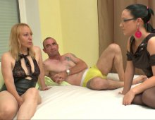 5636 - A 34 ans, Cindy découvre les joies du porno!