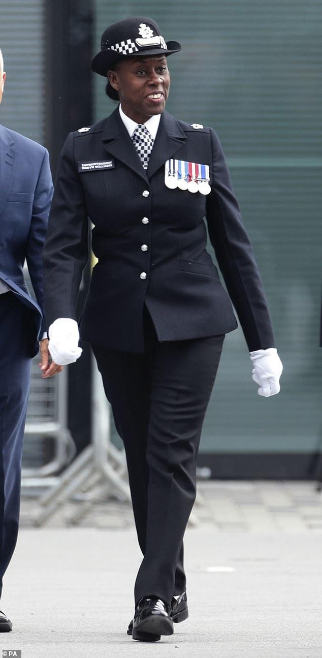 Le surintendant principal par intérim Novlett Robyn Williams (photographié en 2016) a été injustement licencié pour possession d'images d'abus d'enfants, a statué un tribunal